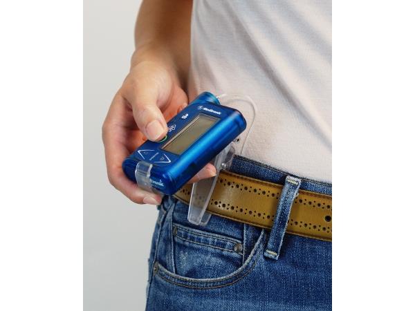 Gürtelclip für Paradigm<sup>®</sup> Insulinpumpe der 5er-Serie